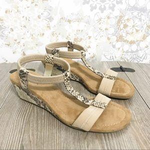 Alfani voyage wedge sandals. Size 6.